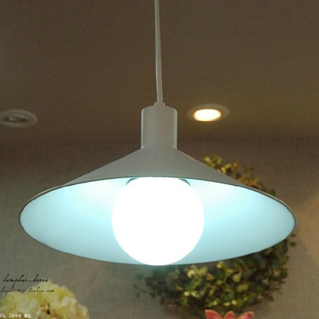 Modern Whte or Black Metal Shade Pendant Lighting in Baking Fini