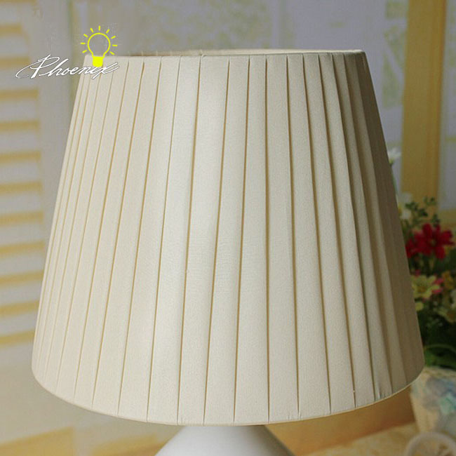 Modern Ceramic and Fabric Table Lamp 8830