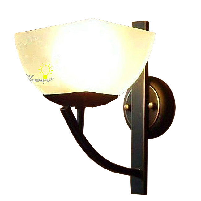 Anitque Iron Art and Glass Wall Sconce in Painted Finish 8756